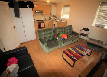 Thumbnail 1 bed flat to rent in Elm Lodge Avenue, Reading