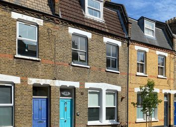 2 bed maisonette for sale in Senrab Street, London E1