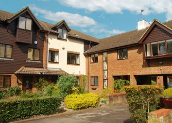 Thumbnail 2 bedroom maisonette to rent in Fairholme Gardens, Farnham, Surrey