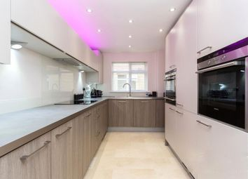 Thumbnail 2 bed flat to rent in Riverside Gardens, Finchley
