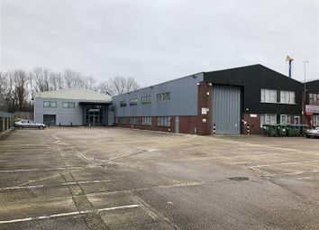 Thumbnail Warehouse to let in Priors Way, Maidenhead