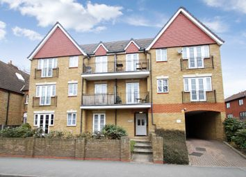 2 bed flat to rent in Birkenhead Avenue, Kingston Upon Thames, Surrey KT2