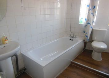 Thumbnail Room to rent in Kendal Parade, Silver Street, London