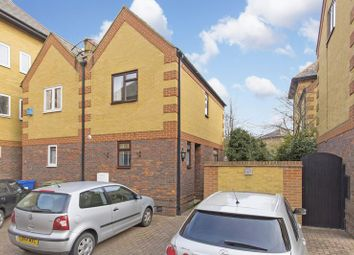 Thumbnail 2 bed property to rent in Stanhope Close, London