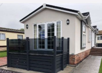 Thumbnail 2 bed mobile/park home for sale in Abridge Park Homes, London Road, Abridge, Romford