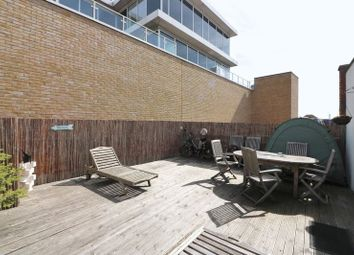 Thumbnail 2 bedroom flat to rent in Regents Gate House, Limehouse