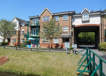 Thumbnail 2 bed flat to rent in Uxbridge Road, Rickmansworth