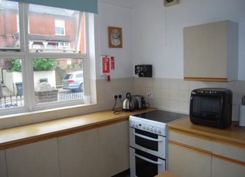 Thumbnail 1 bed flat to rent in St. Marys Road, Tonbridge