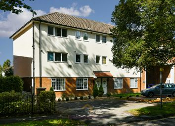 Thumbnail 2 bed flat to rent in Avenue Road, Banstead