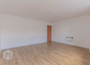 2 bed flat to rent in Lee Lane, Horwich, Bolton BL6