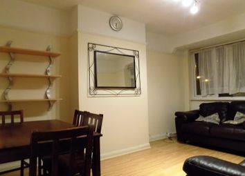 Thumbnail 2 bed flat to rent in Oakleigh Close, London