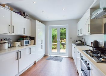 Thumbnail 1 bed property to rent in Green Lane, Addlestone