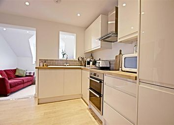 Thumbnail 1 bed flat to rent in High Street, Kings Langley