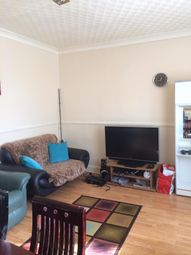 3 bed flat to rent in High Road, Leyton E10