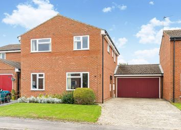 White Horse Crescent, Grove, Wantage OX12. 4 bed detached house