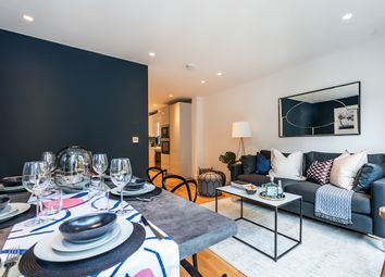 Thumbnail 4 bedroom town house for sale in Clapham Road, London