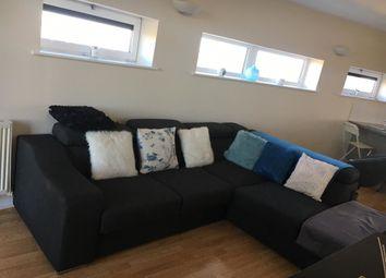 2 bed flat to rent in Martello Street, Hackney, London E8