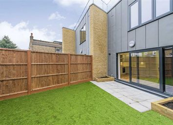 3 bed property to rent in Kneller Road, London SE4