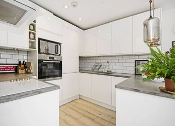 Thumbnail 2 bed flat for sale in Kingsland Road, Haggerston