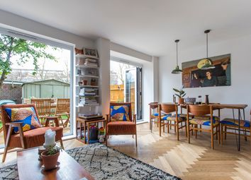 Thumbnail 3 bed maisonette for sale in Daubeney Road, London