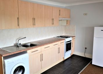 Thumbnail 1 bed flat to rent in Springfield, London