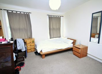 Thumbnail 5 bed triplex to rent in Grosvenor Avenue, Islington