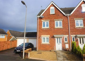 3 bed town house for sale in Heol Islwyn, Fforest Fach SA5
