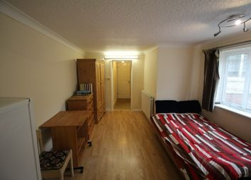 Thumbnail 1 bed flat to rent in Manthorpe Road, Grantham