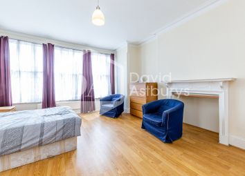 3 bed flat to rent in Muswell Avenue, Muswell Hill, London N10