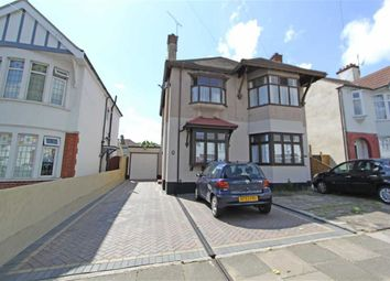 Thumbnail 2 bedroom flat for sale in Kensington Road, Southend On Sea, Essex