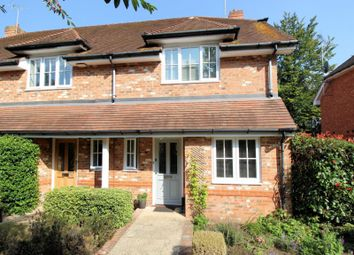 Shiplake Bottom, Peppard Common, Henley-On-Thames RG9. 3 bed end terrace house