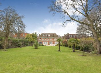 Thumbnail 7 bed detached house to rent in Winnington Road, Kenwood