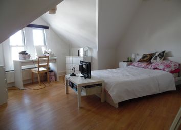 Thumbnail 3 bed flat to rent in St Johns Road, Clapham Junction