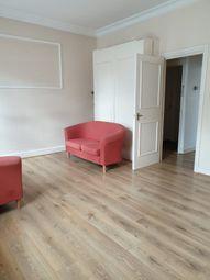 Thumbnail Studio to rent in Sangora Road, Clapham Junction