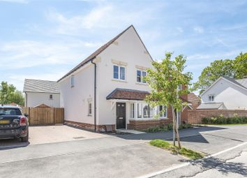 Swords Drive, Crowthorne, Berkshire RG45. 3 bed semi-detached house