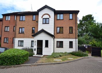 Thumbnail 2 bed flat to rent in Parrotts Field, Hoddesdon