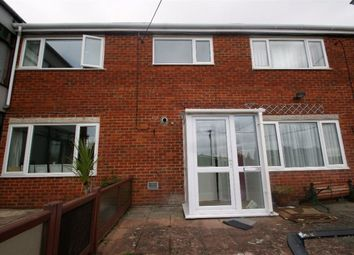 Thumbnail 2 bed flat to rent in Meadow Way, Andover