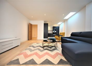 Thumbnail 3 bed flat to rent in Finchley Lane, London
