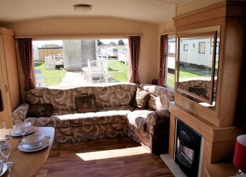 Thumbnail 2 bedroom mobile/park home for sale in Hall Lane, Walton On The Naze