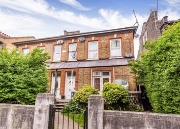 Thumbnail Studio to rent in Earlham Grove, London