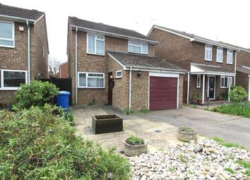 Thumbnail 3 bedroom detached house to rent in Sandy Mead, Maidenhead
