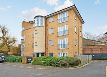 Thumbnail 1 bed flat to rent in Shalbourne Square, London