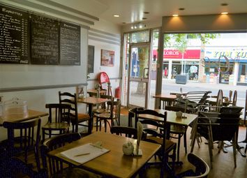 Thumbnail Restaurant/cafe for sale in Cafe & Sandwich Bars LE2, Oadby, Leicestershire