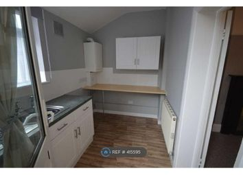 2 bed maisonette to rent in North Street, Rochford SS4