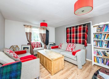 3 bed property for sale in Kenchester Close, Stockwell, London SW8