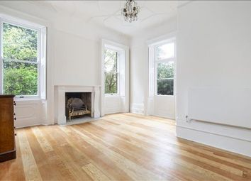 3 bed flat to rent in Queens Road, Richmond, London TW10