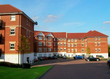 2 bed flat to rent in Bell Chase, Aldershot GU11