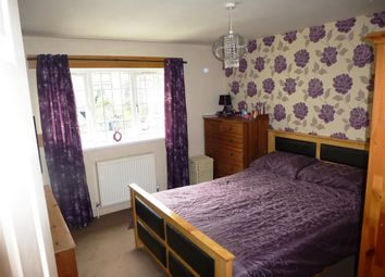 Thumbnail 2 bed flat to rent in Western Road, Cowlersley, Huddersfield