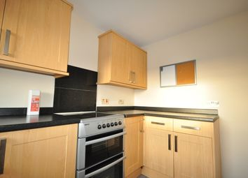 Thumbnail 2 bed flat to rent in Station Road, Billingshurst