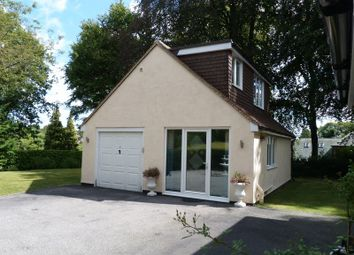 Thumbnail 1 bed flat to rent in Furze Hill, Purley